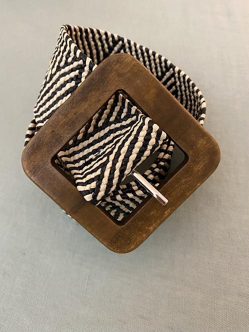 Cinto elástico c/fivela quadrada preto/branco