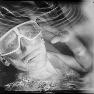 The test shot was taken under water by a film camera of the size 18 by 18 cm. Monocle. Without a shutter. X-ray film. Flash Ikelite DS51.