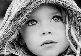 Mirarte a los ojos  y sentir que tu mirada, en su profunda verdad, penetra en mi alma...me  sostiene