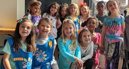 ceramica_smiling-class-of-children-ready