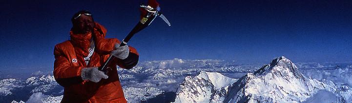 Everest 78  Pierre Mazeaud au sommet.jpg