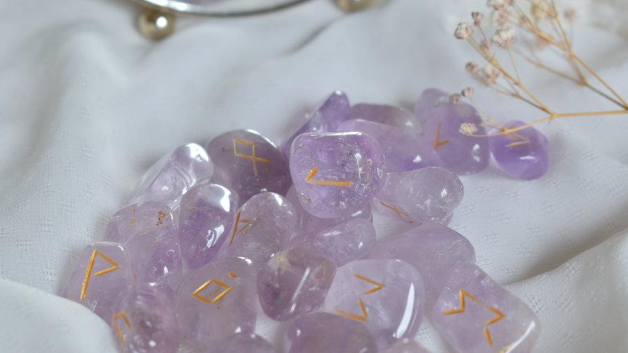 Runes Divinatoires Améthyste