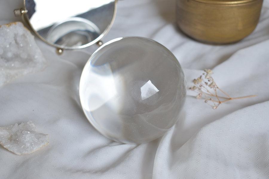 boule de cristal voyance