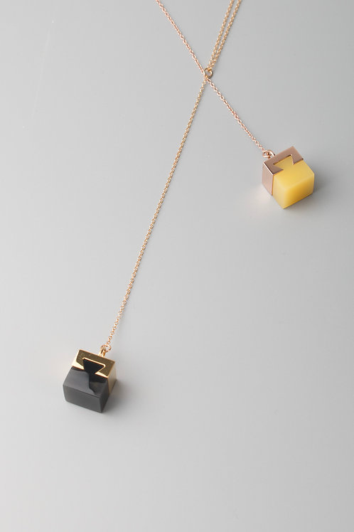 LINK ONE PENDANT - BLACK