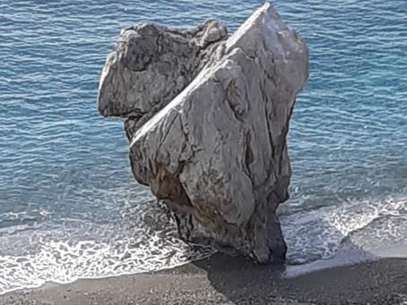 """Der """"Globi""""-Felsen von Prevelibeach"""