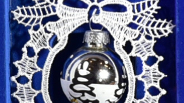 Weihnachtsanhanger - lace hangers - Silver - handpainted