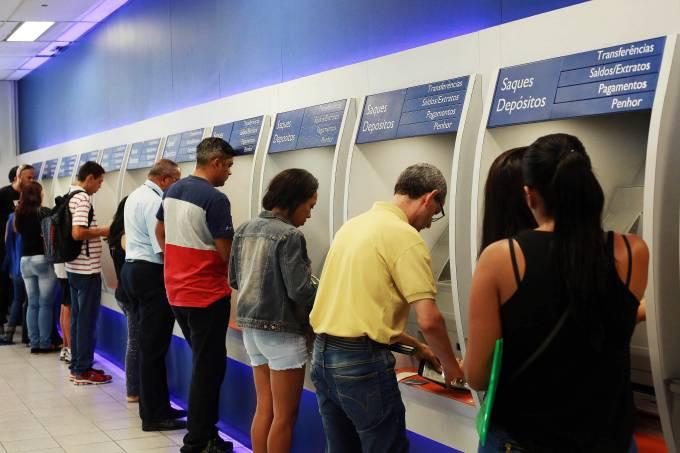 Saque do auxílio de R$ 600 a informal terá calendário e transferência sem custo