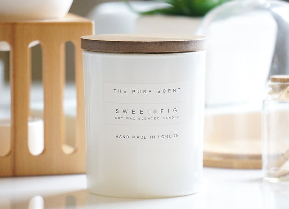 Sweet Fig Soy Candle in a Glass + Wooden Lid + Gift Bag