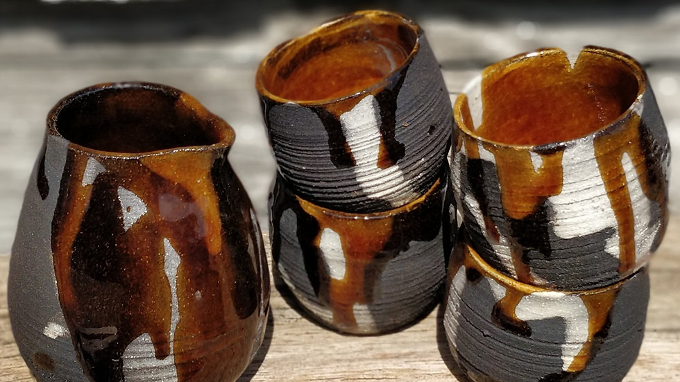 Sake jug and four cups