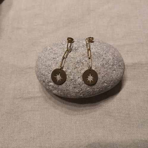 Boucles d'oreille acier doré avec chaînette pendante et étoile