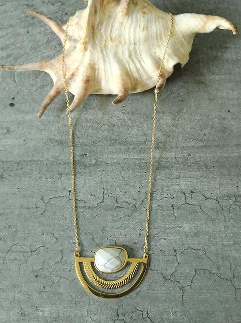 Collier pierre Howlite blanche en acier doré