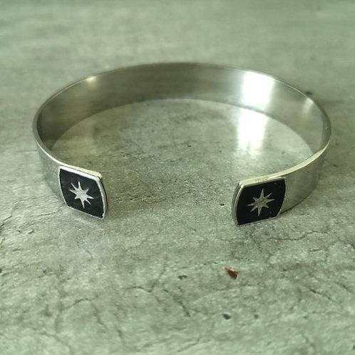 Jonc en acier argenté bout carré noir avec étoile