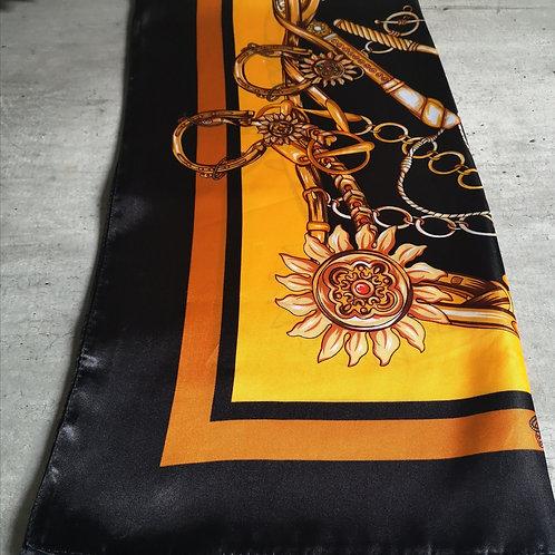 Foulard en soie à motif, noir et orangé