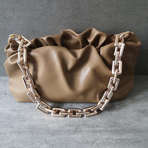 Sac plissé marron chaîne dorée