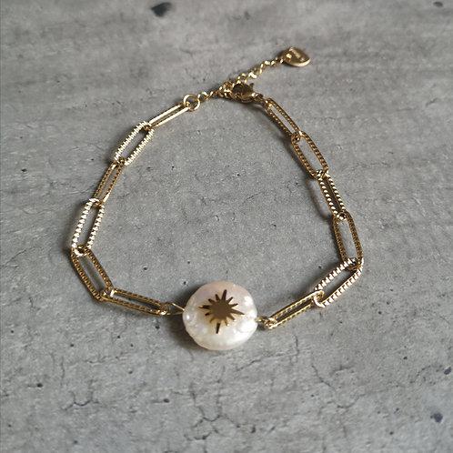 Bracelet maillons allongés striés et nacre centrale