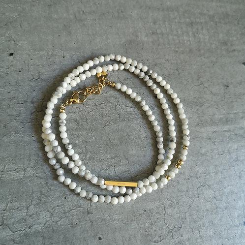Bracelet triple rangs pierre Howlite blanche et grise