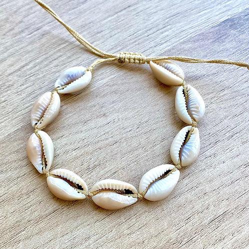 Bracelet de cheville fil doré cauris
