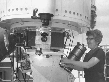 Telescópio homenageia Vera Rubin, a mulher que descobriu o que não pode ser visto!