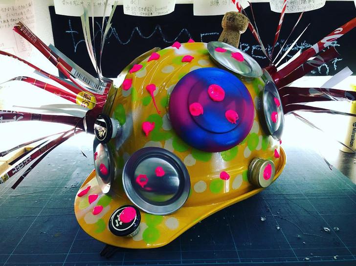未来のワーキングヘルメット