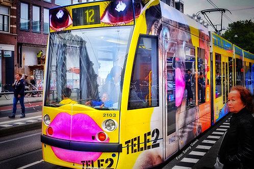 Kissing Tram Amsterdam