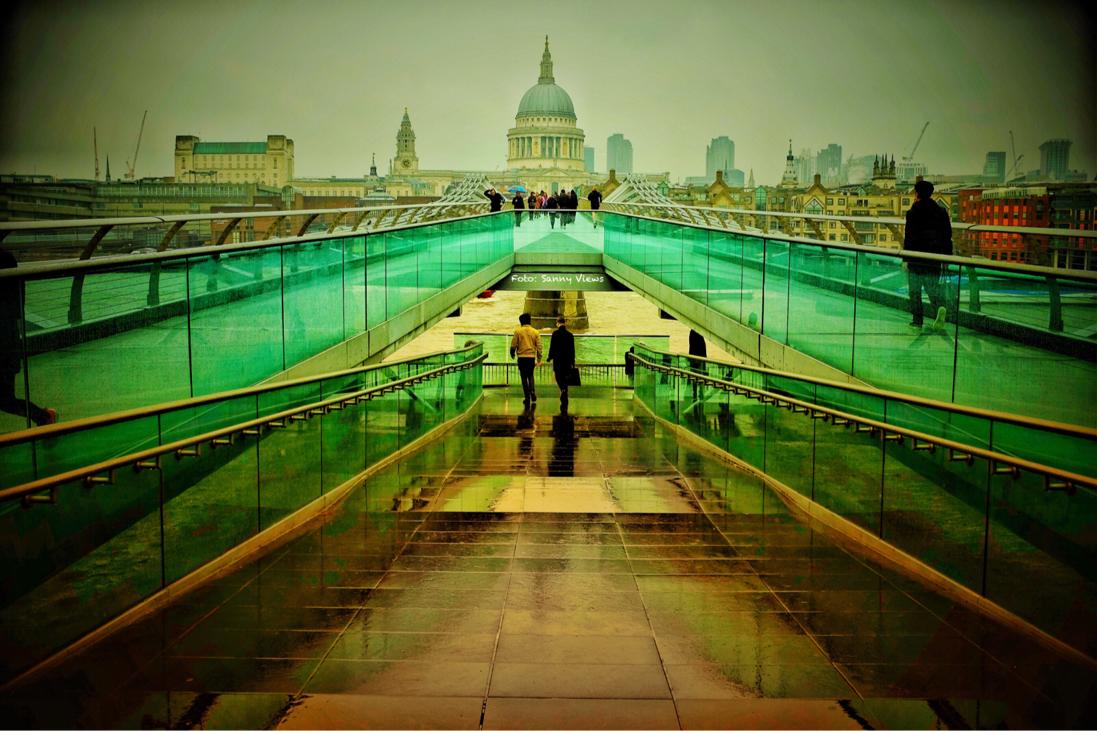 Green Lines to Saint Paul's Cathedra