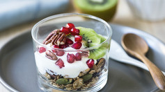 5 Healthy Additions to Your Morning Yogurt