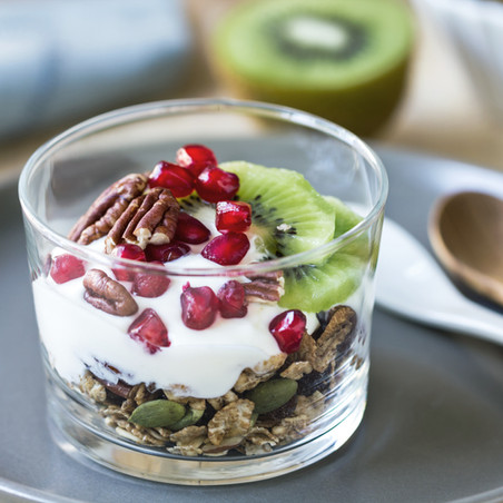KIWI POMEGRANATE GOAT YOUGURT PARFAIT