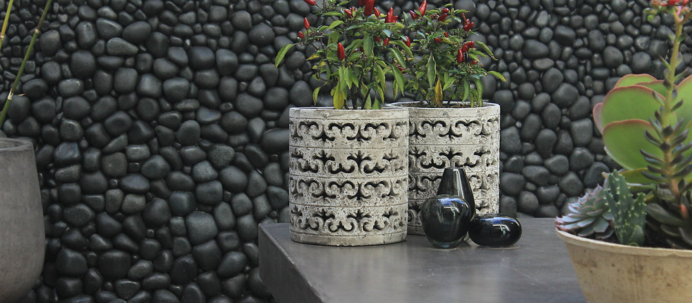 Stone pebble waterfeature