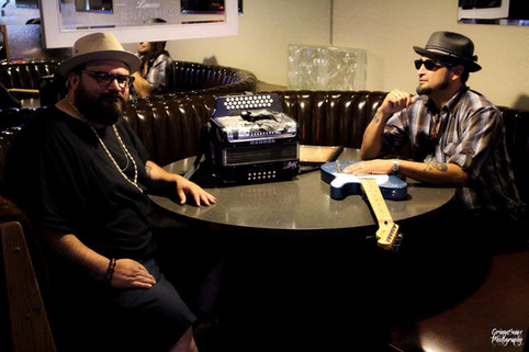 Dos Gatos joining Durango Blues Train