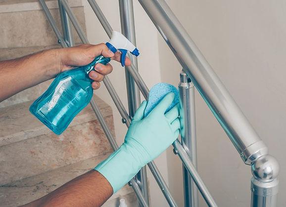 limpieza-desinfeccion-superficies-900x60