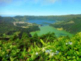 lakes-1683479_1920.jpg