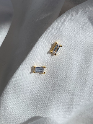 White crystal studs