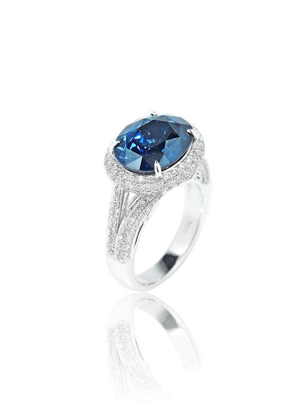 Cobalt Spinel Wraparound Diamond