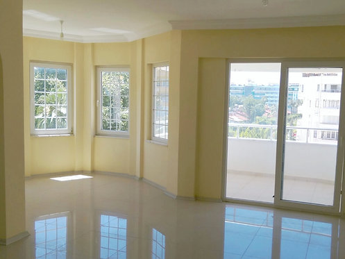 SPACIOUS AND LIGHT 2-BEDROOM APARTMENT CLOSE TO THE SEA IN ALANYA (2+1 FOR SALE)