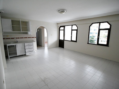 RENOVATED 3-ROOM APARTMENT AT A SHOCKING PRICE (2+1 FOR SALE)