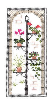 Town Garden - Arch