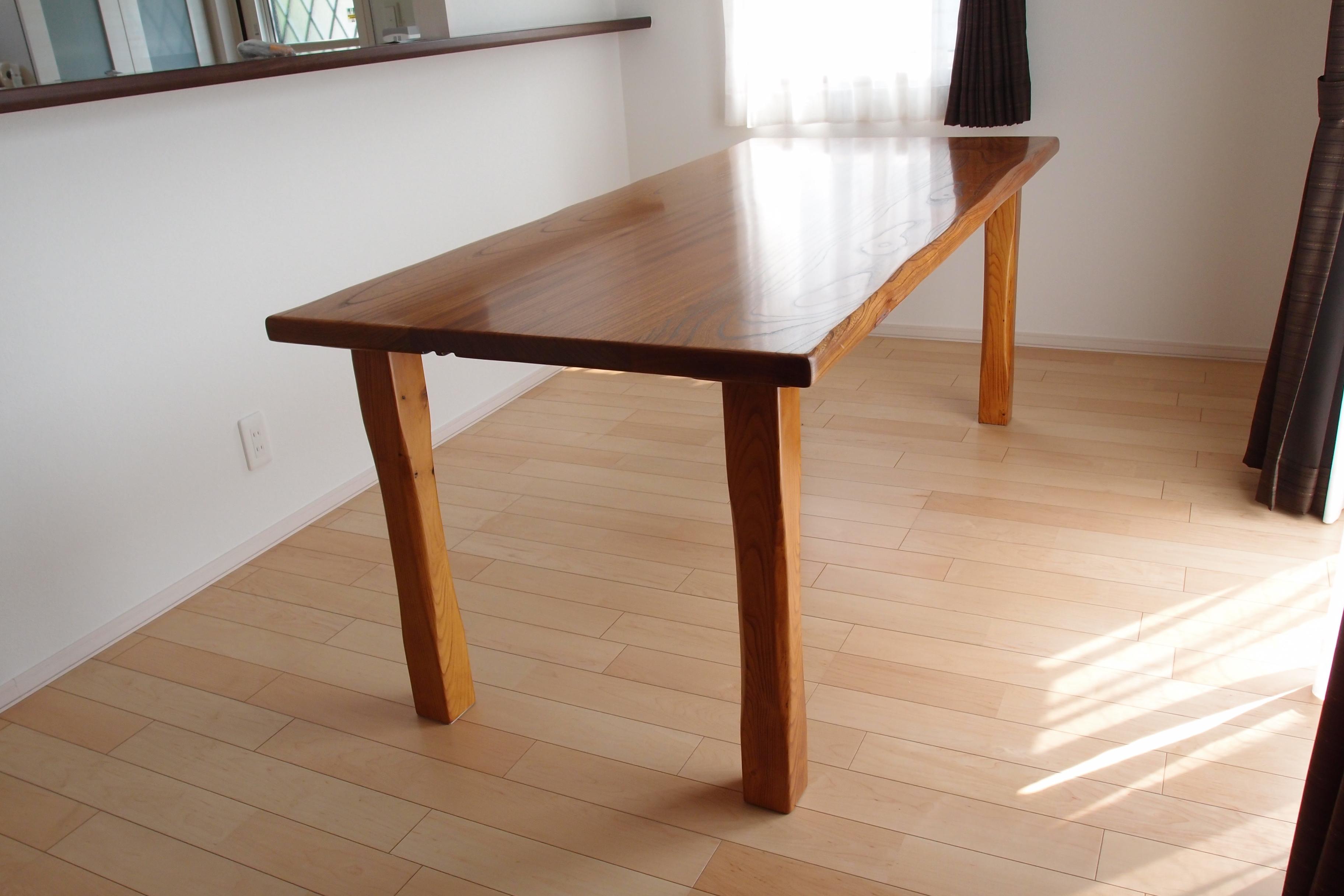 1308吉野様 欅一枚板テーブル(U)&秋田杉テレビボード(W) (2)
