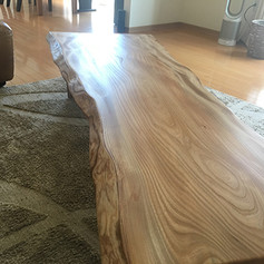 楡 一枚板センターテーブル