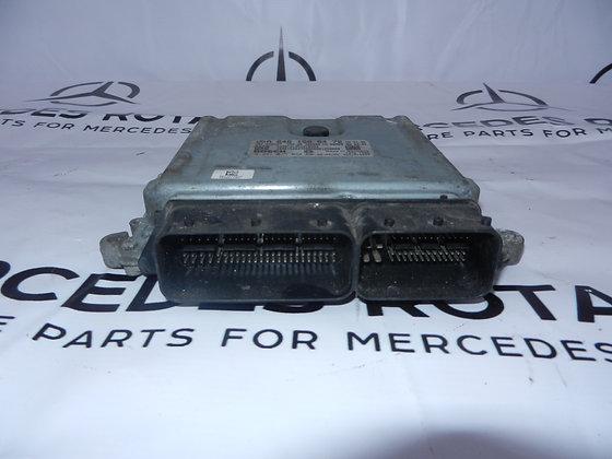 Блок управления двигателем 2.2 CDI спринтер 906