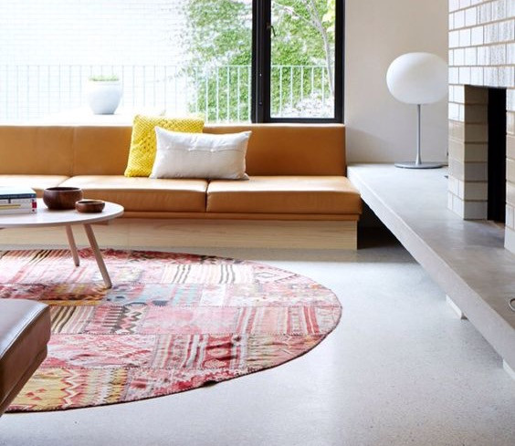 Round Rug with good chi flow in living room.