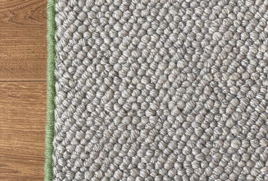 Wool hallway runner w. green trim