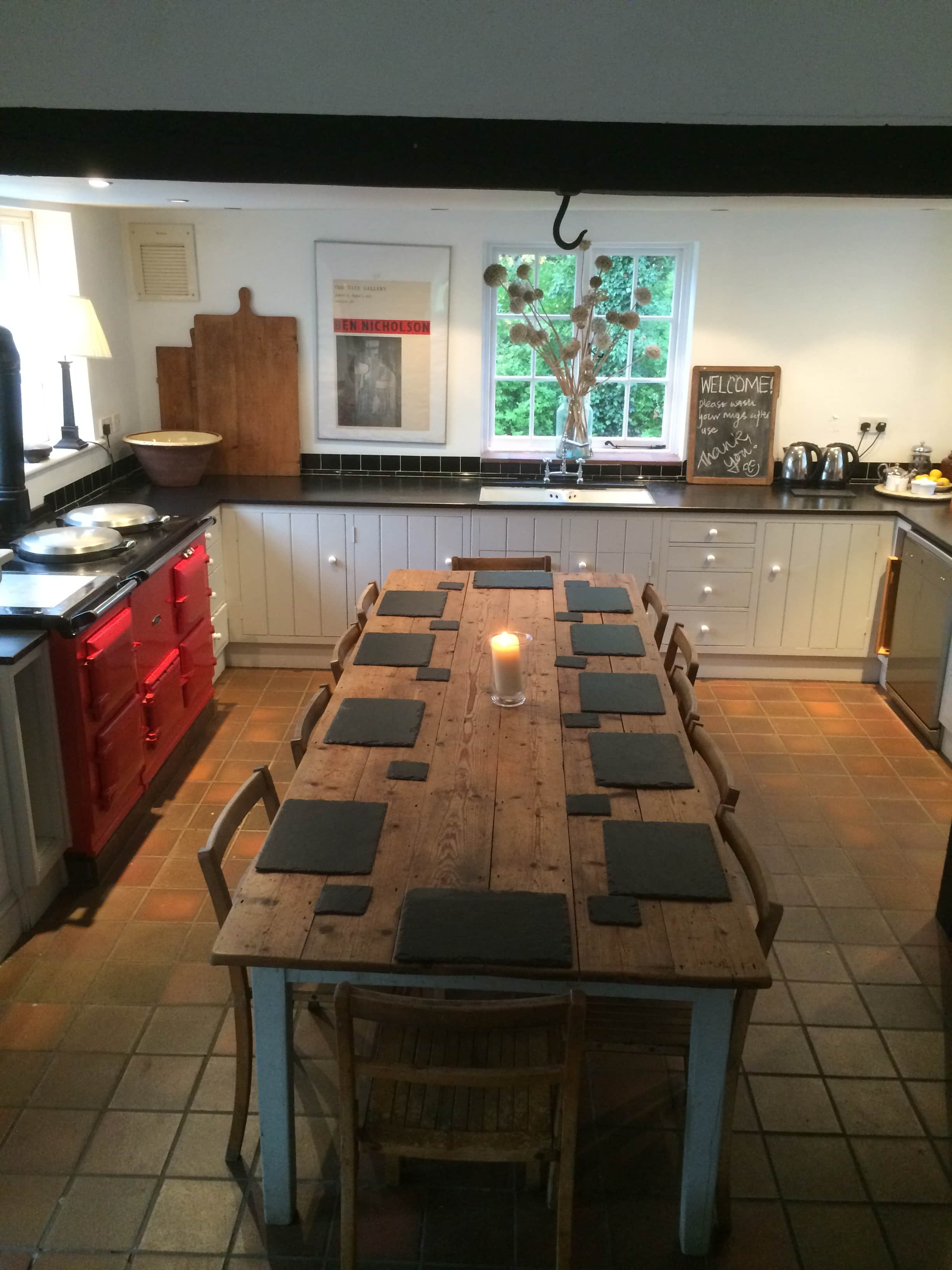 The country kitchen at Tilton House in the Sussex Downs, location for the YogaWithVickiB ladies-only