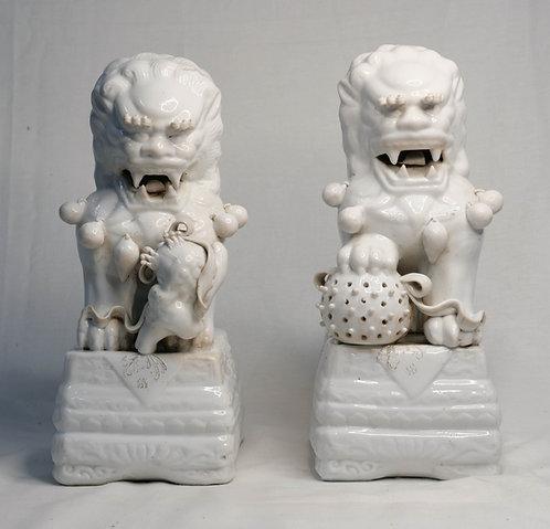 White Guardian Lions (Pair)