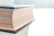 Hardcover-Book-Fore-Edge-Closed-Pages-On