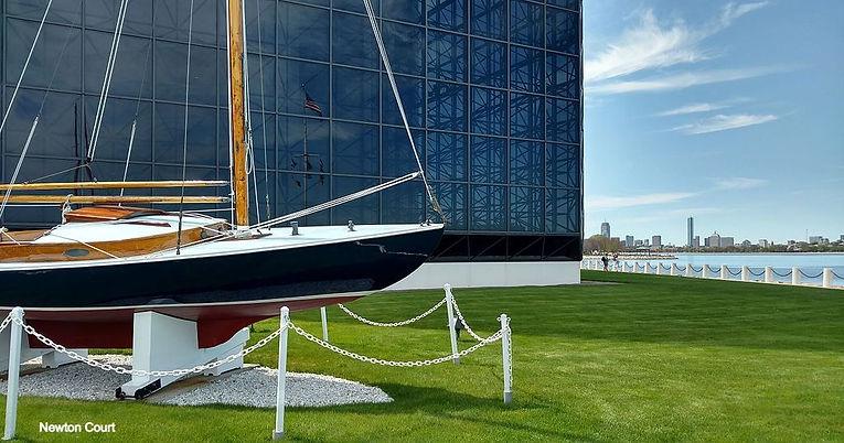 John_F_Kennedy_sailboat_Victura_at_Kenne