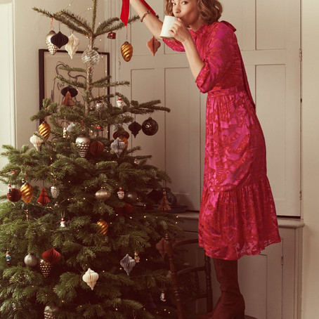 STYLING YOUR CURVES FOR CHRISTMAS