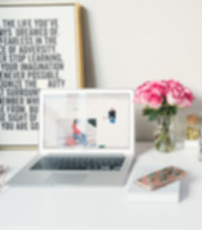 Organized%20Blogger%20Workstation_edited