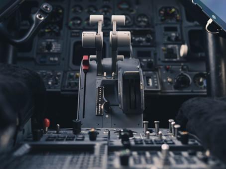 Mogu li piloti nositi naočale?