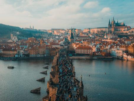 (POVOLJNI LETOVI) Povratni let za Prag već od 355 kuna!