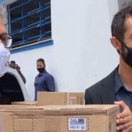 Zema: leva seringas para vacinação contra Covid em Barbacena e mais 31 municípios da região.